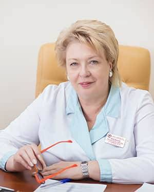 Главный врач - Веровская Татьяна Александровна, главный внештатный акушер-гинеколог, заслуженный врач РФ